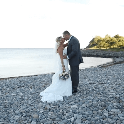 Contemporary wedding at Oceanview Nahant
